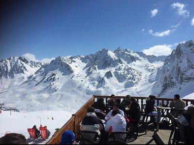 etape du berger : terrasse du restaurant col du tourmalet